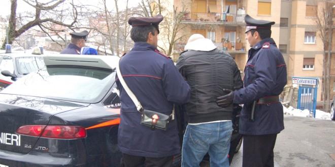 Minaccia e perseguita l'ex moglie, arrestato 41enne di Alatri