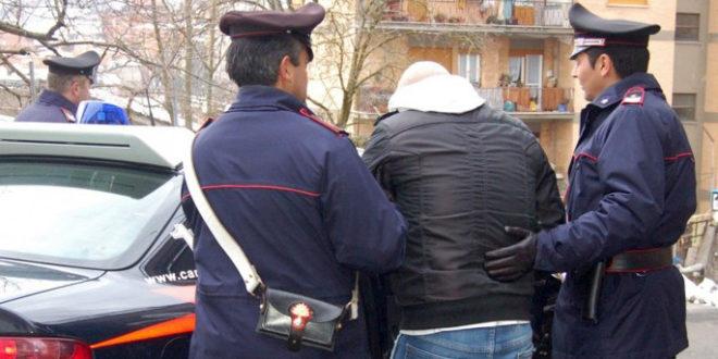 Picchia suo padre il giorno di Natale, arrestato 48enne