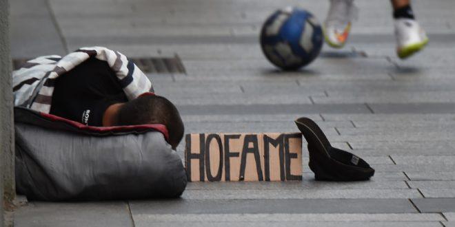 Crisi-'Un italiano su tre a rischio povertà'