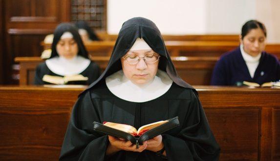 Monache benedettine, nuova Madre Abbadessa