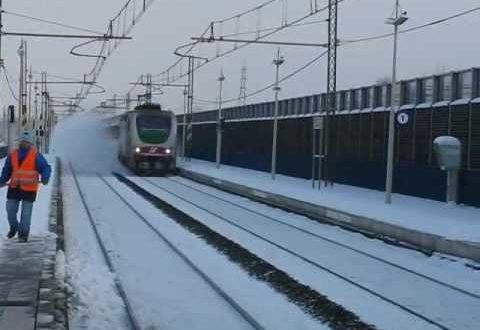Dimezzati i treni Cassino-Frosinone-Roma, la protesta dei pendolari