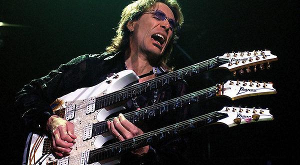 Isola del Liri, il chitarrista Steve Vai al cinema teatro Mangoni