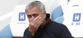Calcio, esonerato Josè Mourinho