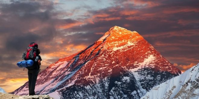 """Sull'Everest senza ossigeno-""""Smentita la scienza"""""""