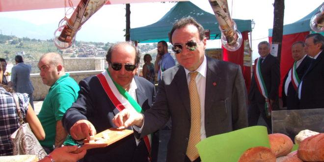 Boville, l'ex sindaco Nicola Milani sale in cattedra