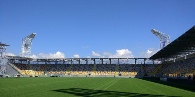 Stadio Frosinone squalificato, gialloblu giocano a Torino