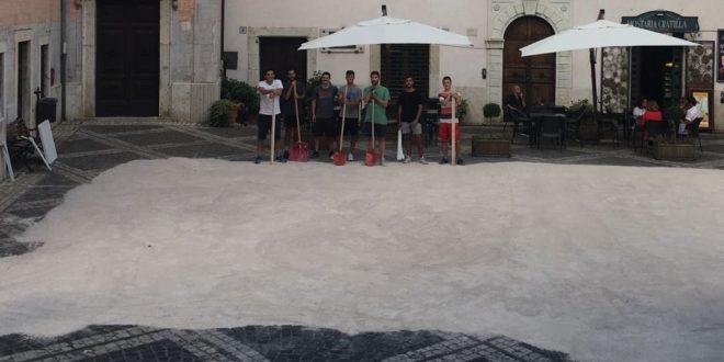 Passione per il basket, campo allestito in piazza Mazzoli