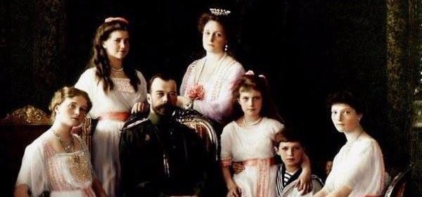 Romanov, intera famiglia sterminata dai comunisti bolscevichi