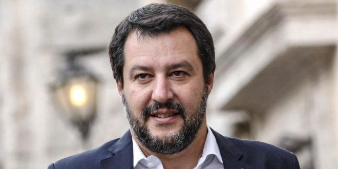 Paragonare Salvini a Hitler è da caproni